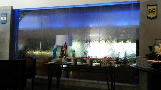 Riande Aeropuerto: Restaurante - café da manhã