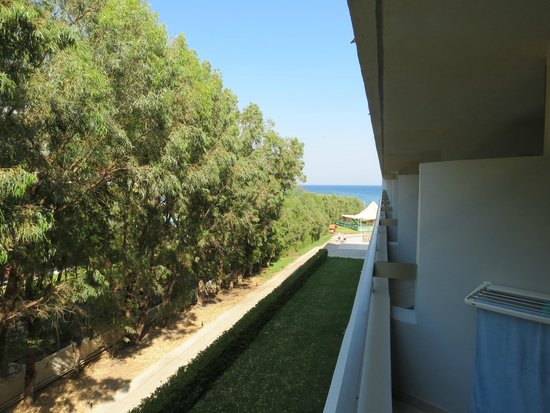 Grecotel Rhodos Royal: Вид из номера