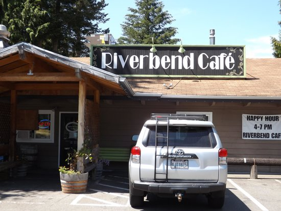 The Riverbend Cafe: Front entrance