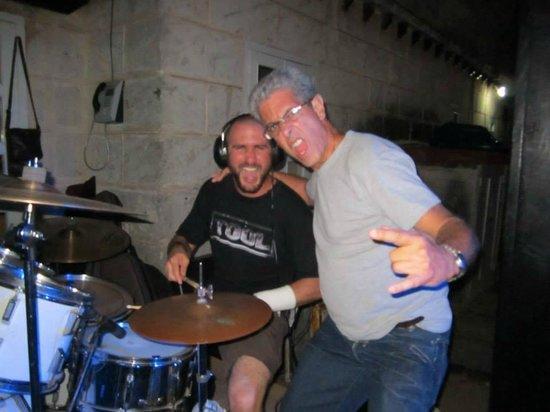 Beatles Bar: Rene Silveria y mi papá