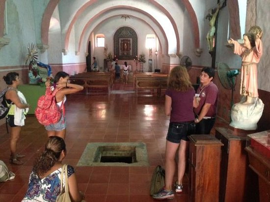 Cancun With Me Day Tours : Getting ready to go into the small crypt