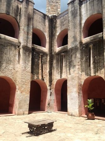 Cancun With Me Day Tours : Beautiful architecture throughout church and grounds