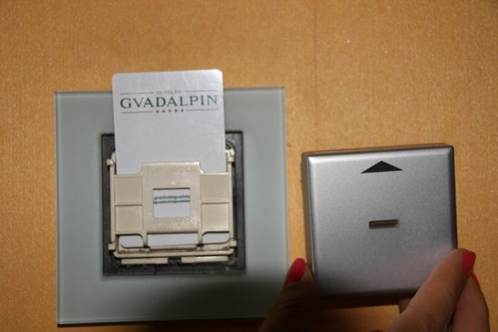 Gran Hotel Guadalpin Banus: magnetic card cover removed