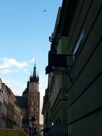 Hotel Pod Roza : Blick zum Marktplatz, wenn man aus dem Hotel kommt
