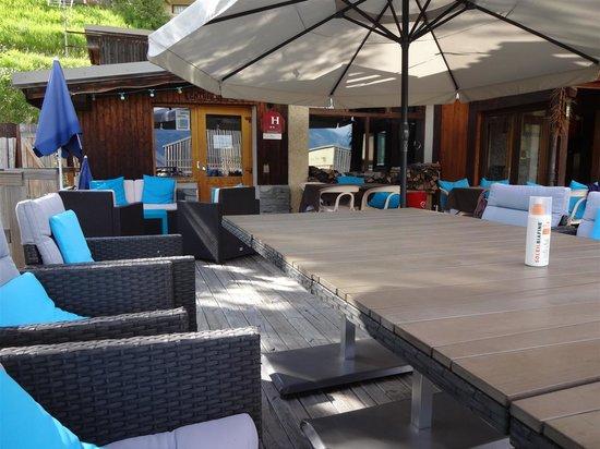 Hotel le Beau Site : terrasse exterieur