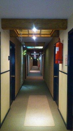 Hotel Ayacara: Pasillo hacia las habitaciones