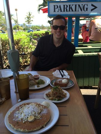 Kihei Caffe: Gotta try the pancakes with macadamia nuts and bananas! So tasty! We ordered a whole spread for