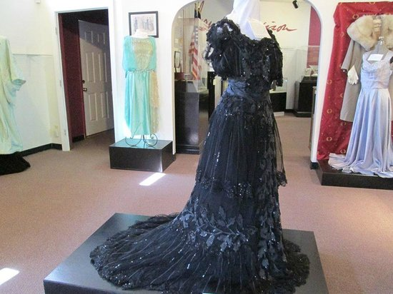 James Madison Museum: Turn of the Century (1890-1910) Evening Gown.