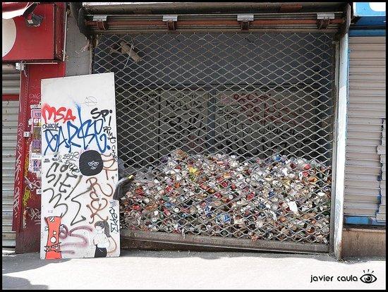 Montmartre: En PARÍS también hay basura..