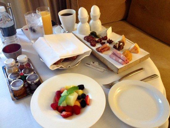 Mandarin Oriental, Las Vegas : Room service breakfast