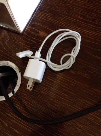 Mandarin Oriental, Las Vegas: Housekeeping neatly coils your iPhone cord