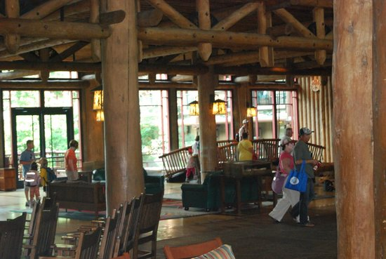 Disney's Wilderness Lodge: lobby