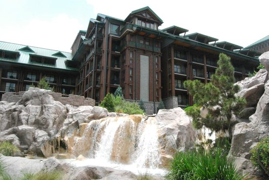Disney's Wilderness Lodge: from pool area looking up at lodge