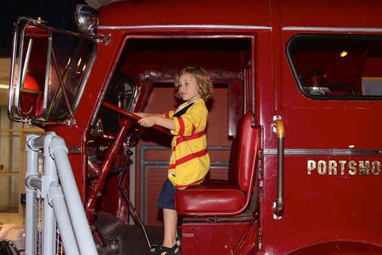 Children's Museum of Virginia: Fireman!