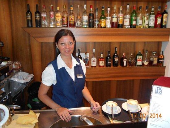 Hotel Rex: Buon giorno signorina Valentina due cappuccini per favore...