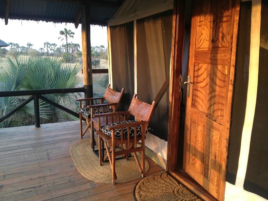 Maramboi Tented Camp: deck