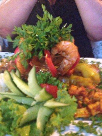 Belcehan Beach Deluxe Cafe Bistro: Garlic prawns