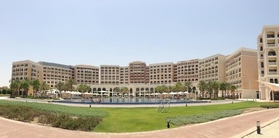 The Ritz-Carlton Abu Dhabi, Grand Canal : How it's present the brand!