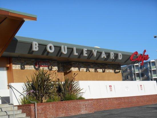 Boulevard Cafe: Exterior-Sign