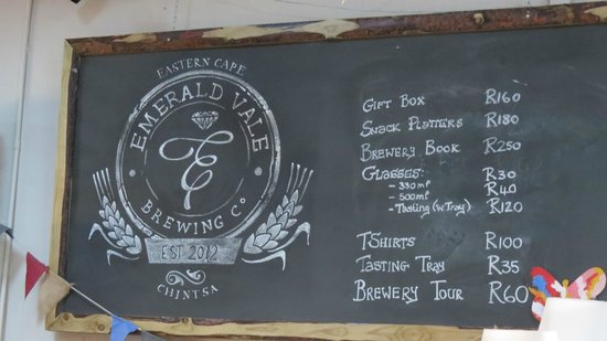Buccaneers Lodge & Backpackers: Local MicroBrew