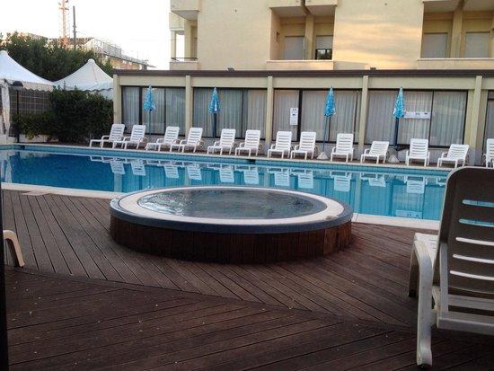 Park Hotel Kursaal: Piscina
