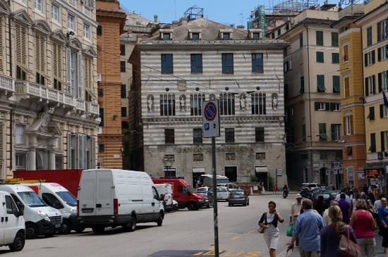 Palazzi dei Rolli: начало улицы