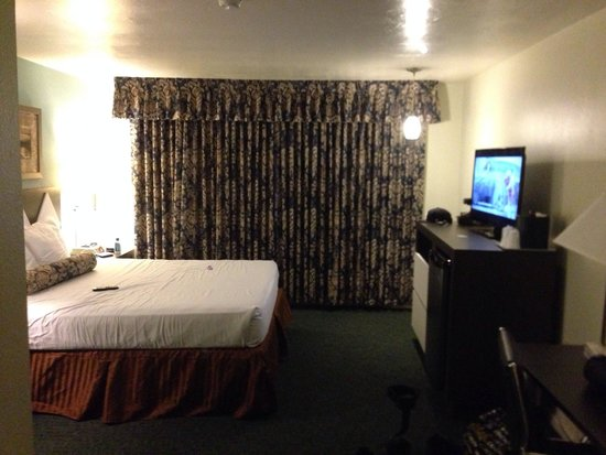 Kings Inn San Diego: Comfy room