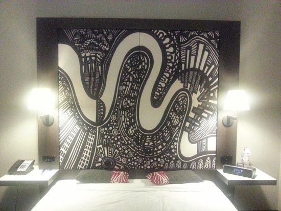 Mercure Brisbane: Bed and Bedhead