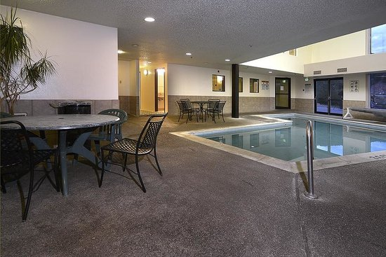 Days Inn Carbondale: Pool Room