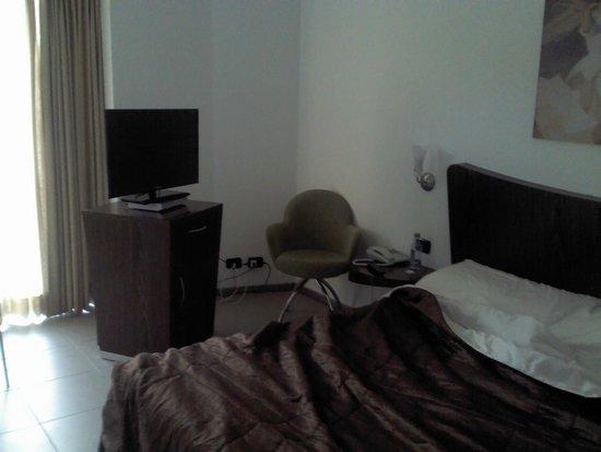 Kore Hotel: Habitación individual con cama amplia. TV con TDT