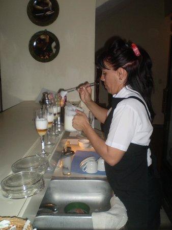 Hotel Los Cactus: Tanya again working her magic