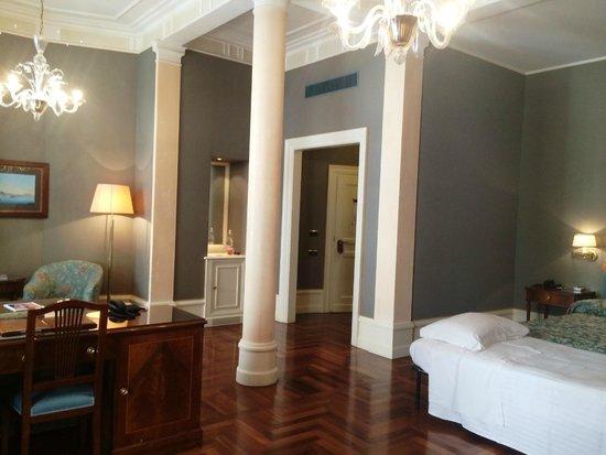 Eurostars Hotel Excelsior: Hotel room