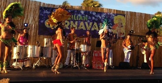Bahia Resort Hotel: Carnival Show at the Bahia
