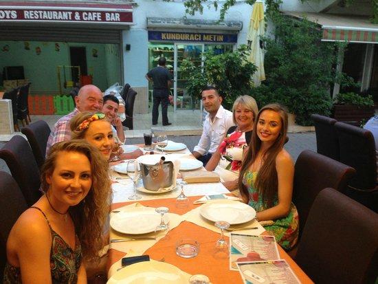 Golden Boys Restaurant : 7 happy eaters!!
