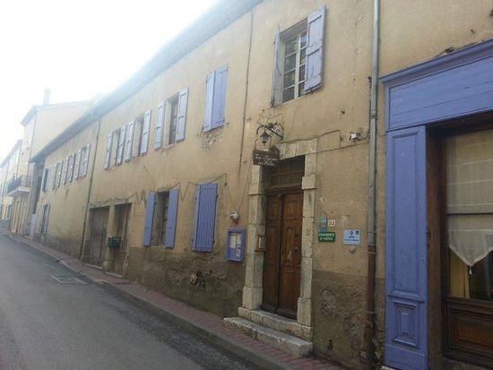 La Maison des Hotes: La Maison des Hôtes côté rue