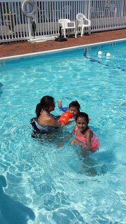 Ocean Surf Resort : fun in the pool