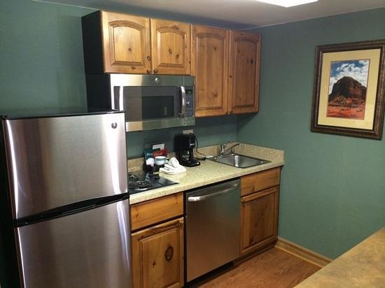 Homewood Suites by Hilton Phoenix-Metro Center: cuisine dans la chambre