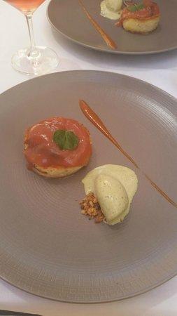 Pastis Restaurant : Dessert of abricot cake and mint leave icecream.