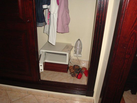 Hotel Riu Palace Riviera Maya: caja fuerte gratuita