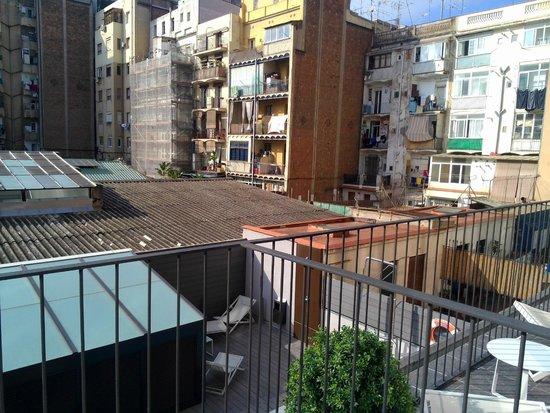 Hotel Vueling BCN by Hc: Vista dal balcone della stanza