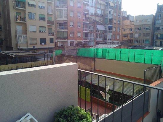 "Hotel Vueling BCN by Hc : Caratteristico, ma non vale il supplemento ""terrace"""