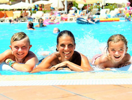 Holiday Village Tenerife: Wife and kids taken by hotel photographer