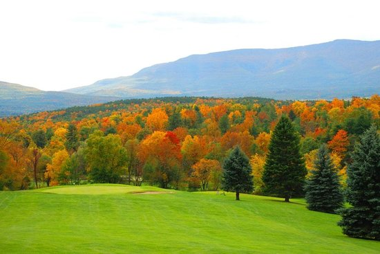 Thunderhart Golf Course at Sunny Hill : Colorful Fall Scenery at Thunderhart