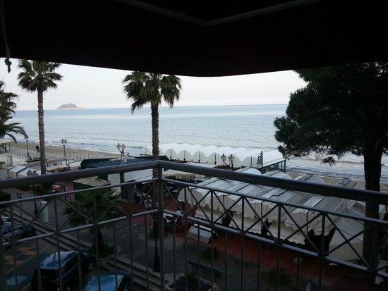 Grand Hotel Spiaggia: Veduta dal balcone della camera