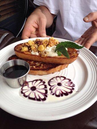 Mymy: Blueberry vanilla French toast