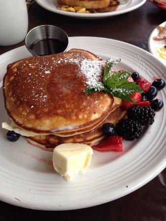 Mymy: Lemon ricotta pancakes. Best pancakes ever!!!!!