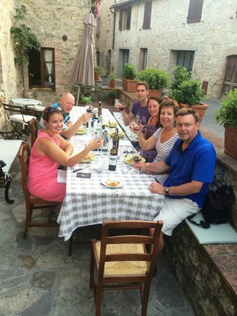 Borgo Lecchi B&B : Dinner!
