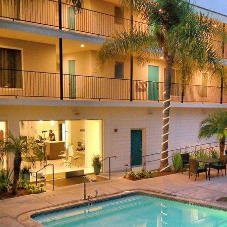 La Quinta Inn & Suites Santa Barbara: The La Quinta Inn and Suites