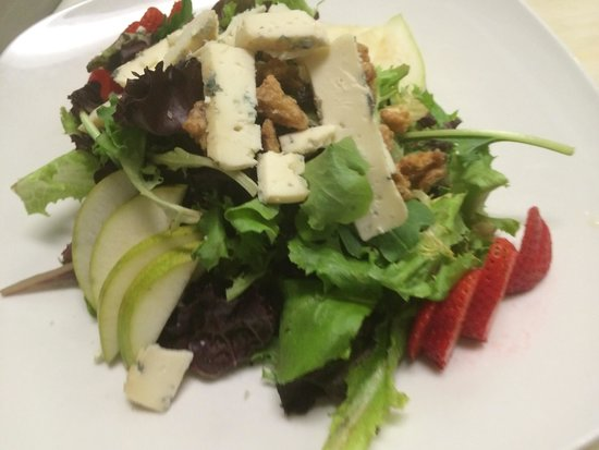 Sorrento Pizzeria and Italian Restaurant: Fresca salads with Gorgonzola dolce and honey balsamic vinaigrette