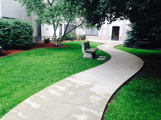 Hampton Inn & Suites South Bend: Beautiful Courtyard!
